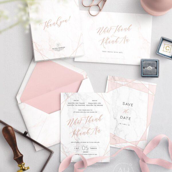 Thiệp cưới màu Hồng vân đá | Hoạ tiết đường chéo màu Rose Gold - An Hieu Wedding