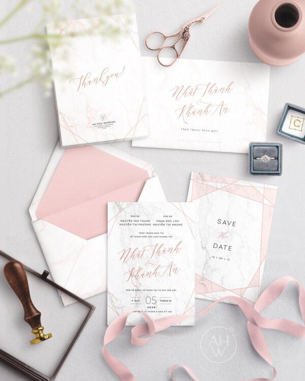 Thiệp cưới màu Hồng vân đá   Hoạ tiết đường chéo màu Rose Gold - An Hieu Wedding
