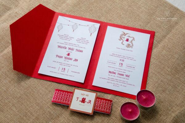 Thiệp cưới mở ba bìa giấy đỏ | Hoạ tiết truyền thống | Lồng Đèn | Rồng Phượng | Chữ Hỷ - An Hieu Wedding
