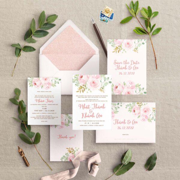 AHD2020-057 - Thiệp cưới Hoa màu Hồng phấn nhẹ nhàng | Phong bì lót nền màu vàng Rose - An Hieu Wedding
