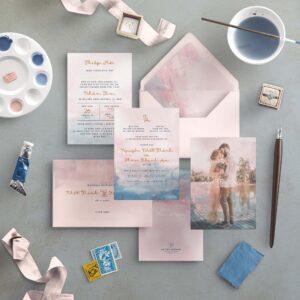 AHD2020-060 - Thiệp cưới Màu nước loang in hình cặp đôi | Tông màu hồng và xanh dương nhạt - An Hieu Wedding